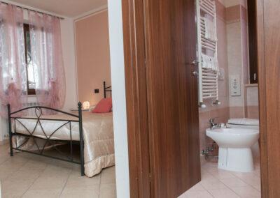 camera da letto appartamento il casale della fornace